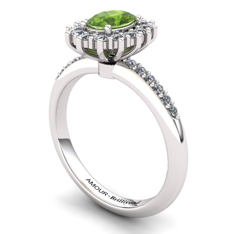 Peridot Princess Ring with Stone Band_image1)