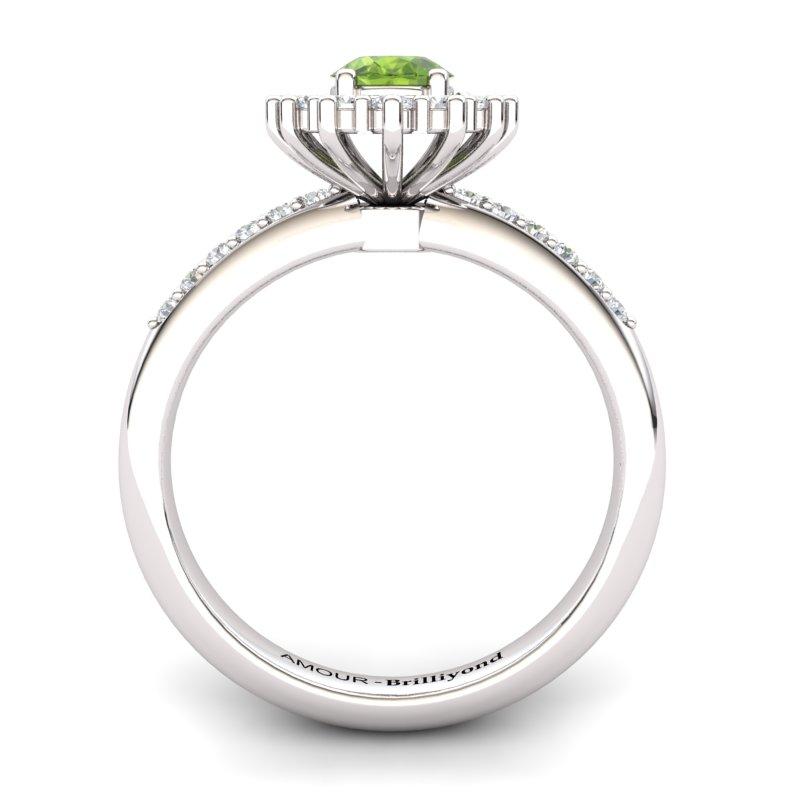 Peridot Princess Ring with Stone Band_image2)