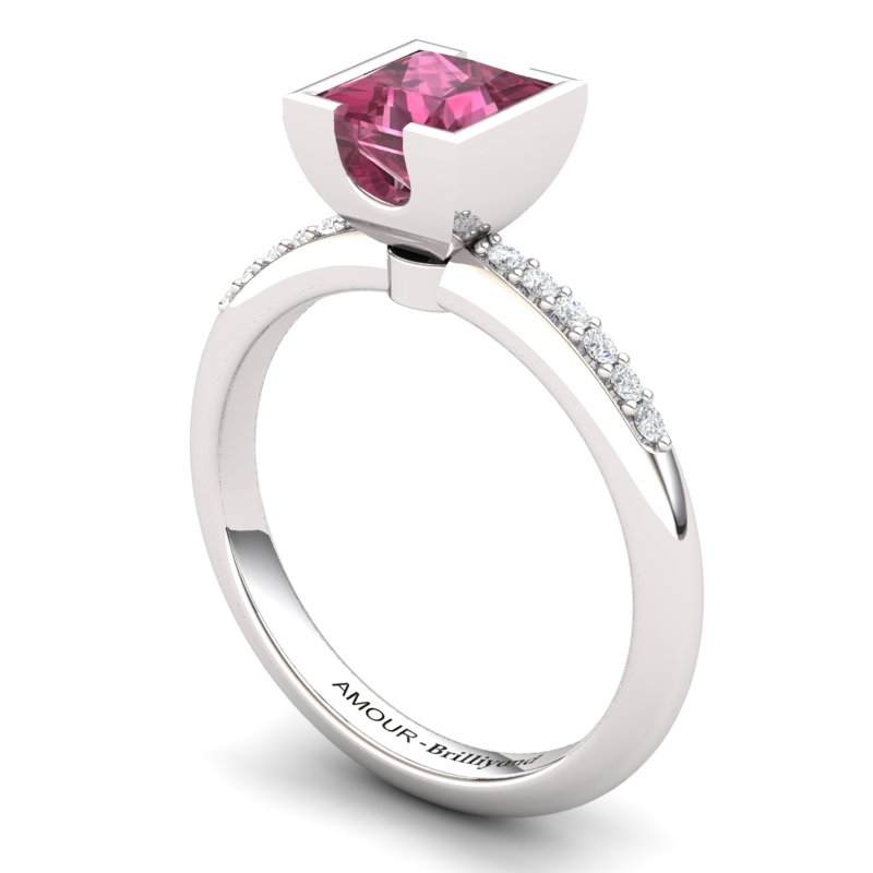 Garnet Square Ring with Stone Band_image1)
