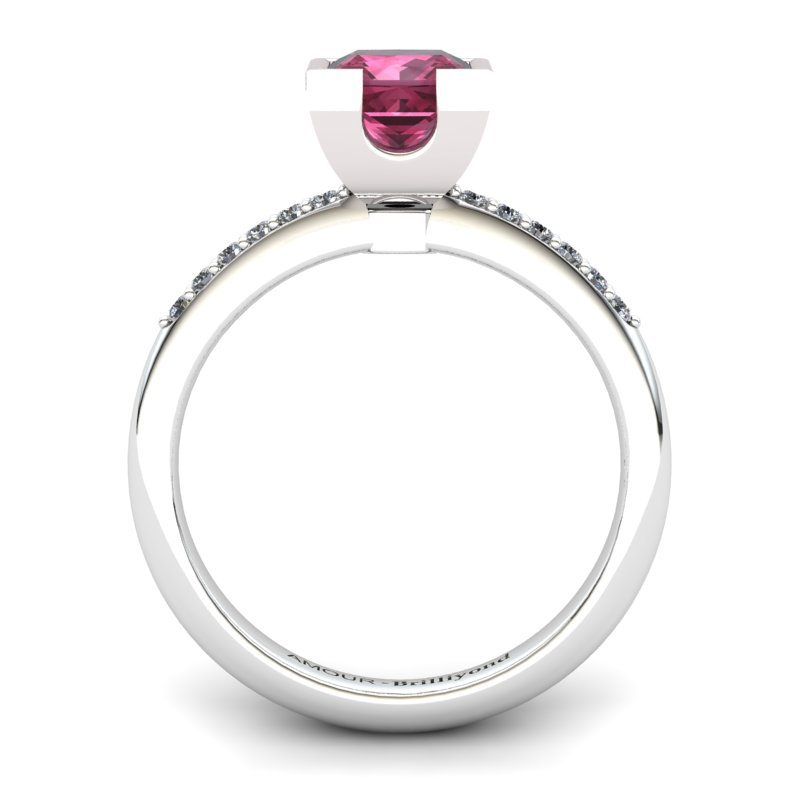 Garnet Square Ring with Stone Band_image2)